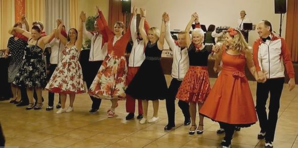 tanzkurs fur singles linz Susanna haas und robert korntner führen regelmäßig kurse (dienstag, wochenende) und veranstalten milongas (dienstag) und festivalitos (zb mit melina sedo & detlef engel) wir bevorzugen die tanzweise tango de salon und fördern die einhaltung von regeln für traditionelle, stimmungsvolle milongas.